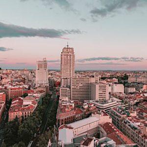 Farmacia ubicada en Madrid, idónea para un primer proyecto